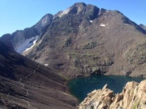 Vista desde el Collado de Tebarray. A la izquierda, el camino al Cuello del Infierno