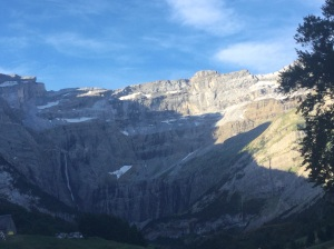 Circo de Gavarnie. Al fondo, a la derecha, la catarata.