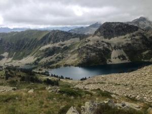El lago de Airoto visto desde el Coll de Moredo.