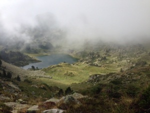 Niebla mañanera en el Estany de Muntanyó.