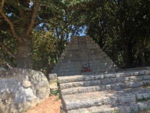 Monumento al exilio en el Coll de Manrella